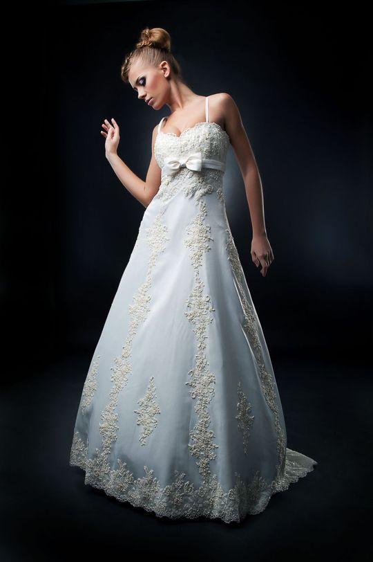 bee994325b2 13-17 punkti: läbipaistvate detailidega kleit. Sa ei suuda vana Hollywoodi  romantikale vastu panna. Sinu lemmik filmide hulka kuuluvad näiteks «Puhkus  ...