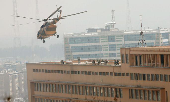 Из схваченного террористами отеля вКабуле спасли 30 заложников
