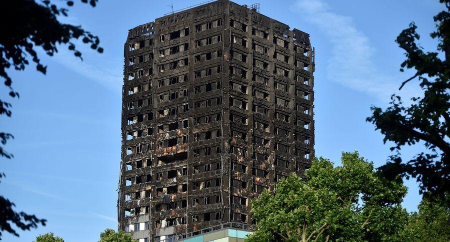 Встолице Англии эвакуируют граждан 5-ти многоэтажек из-за пожара