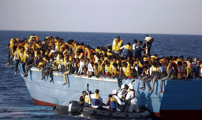 Лодка затонула уберегов Туниса, погибли 35 мигрантов