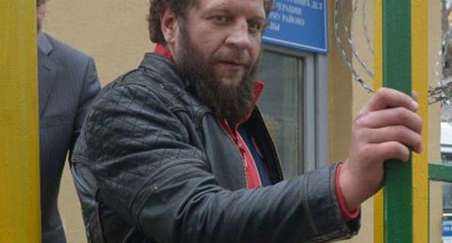Александр Емельяненко за30 секунд одержал победу свой 1-ый бой после тюремного заключения