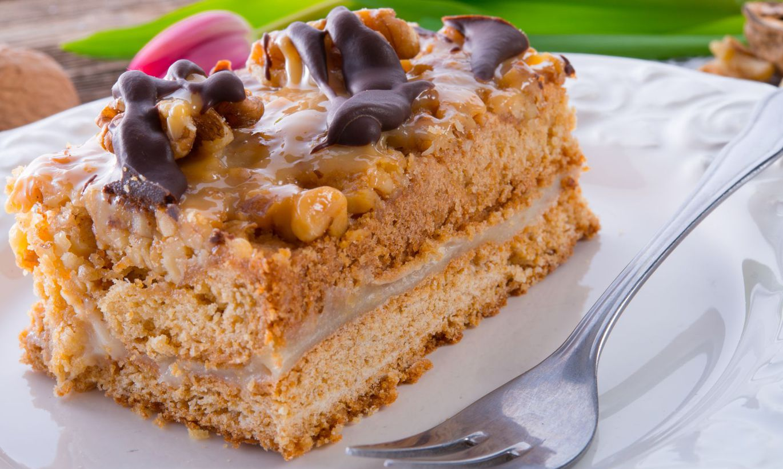 Рецепт самого простого медового торта