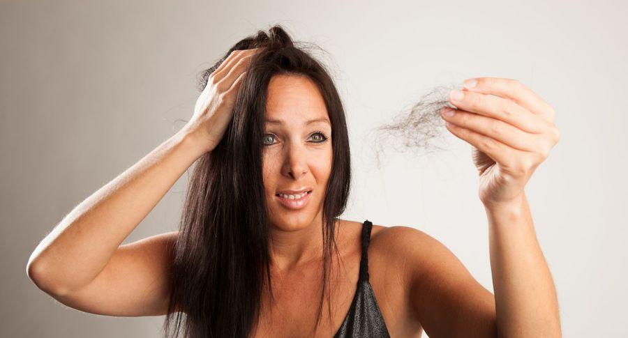 Сон волосы клоками выпадают