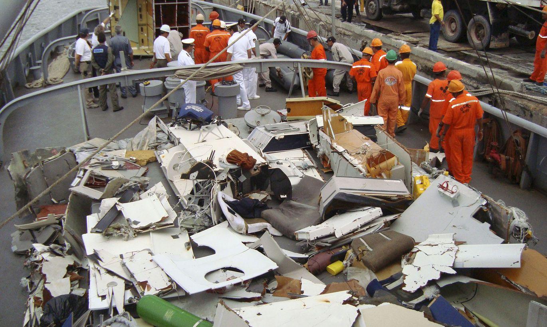 Air france wreckage photos Air France Flight 447 - Wikipedia