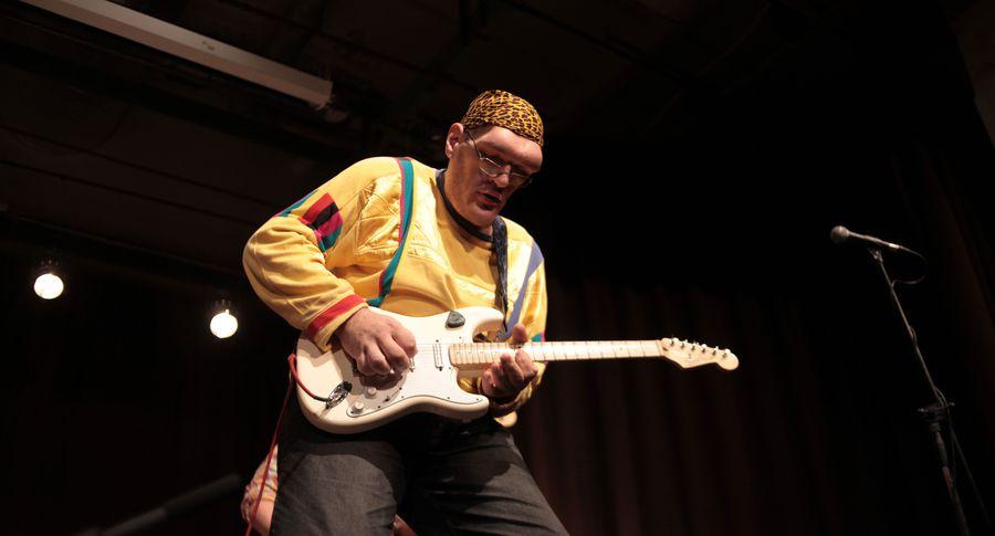 Нафестивале вЭстонии прямо насцене скончался украинский музыкант