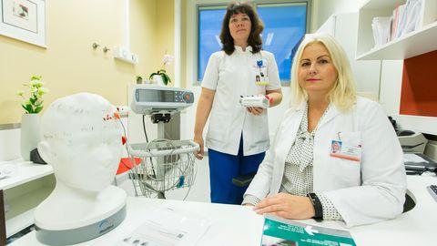 Põhja-Eesti regionaalhaigla kopsuarst Erve Sõõru ja pulmonoloogia keskuse õendusjuht Airi Toode.