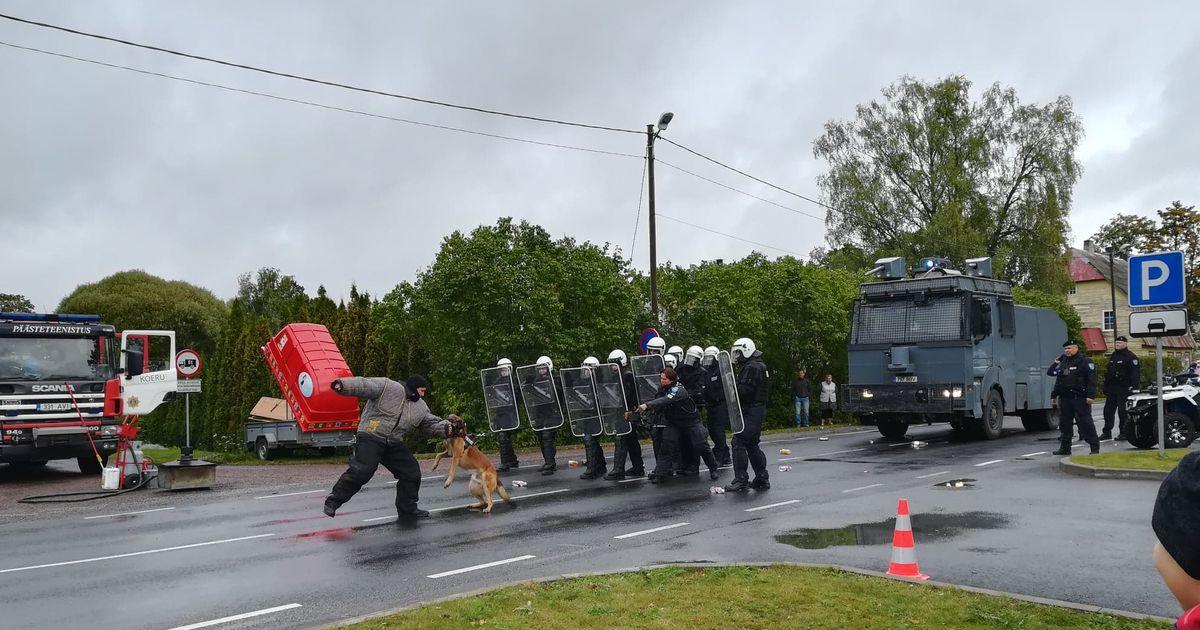 Koeru perepäeval sai näha politsei jõunumbreid