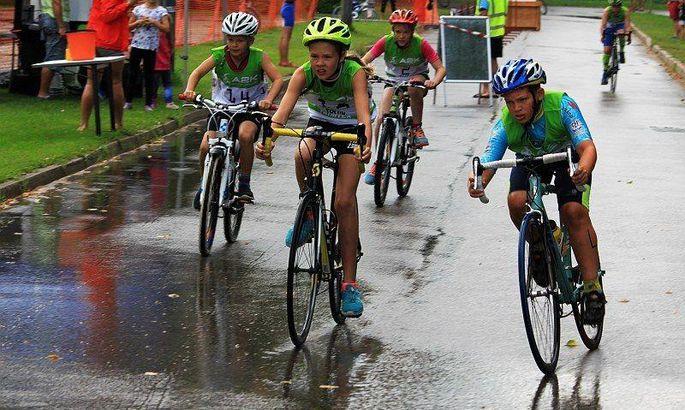 fe4e23a1baf Triatleedid vallutavad väikelinna tänavad - Sport - Pärnu Postimees