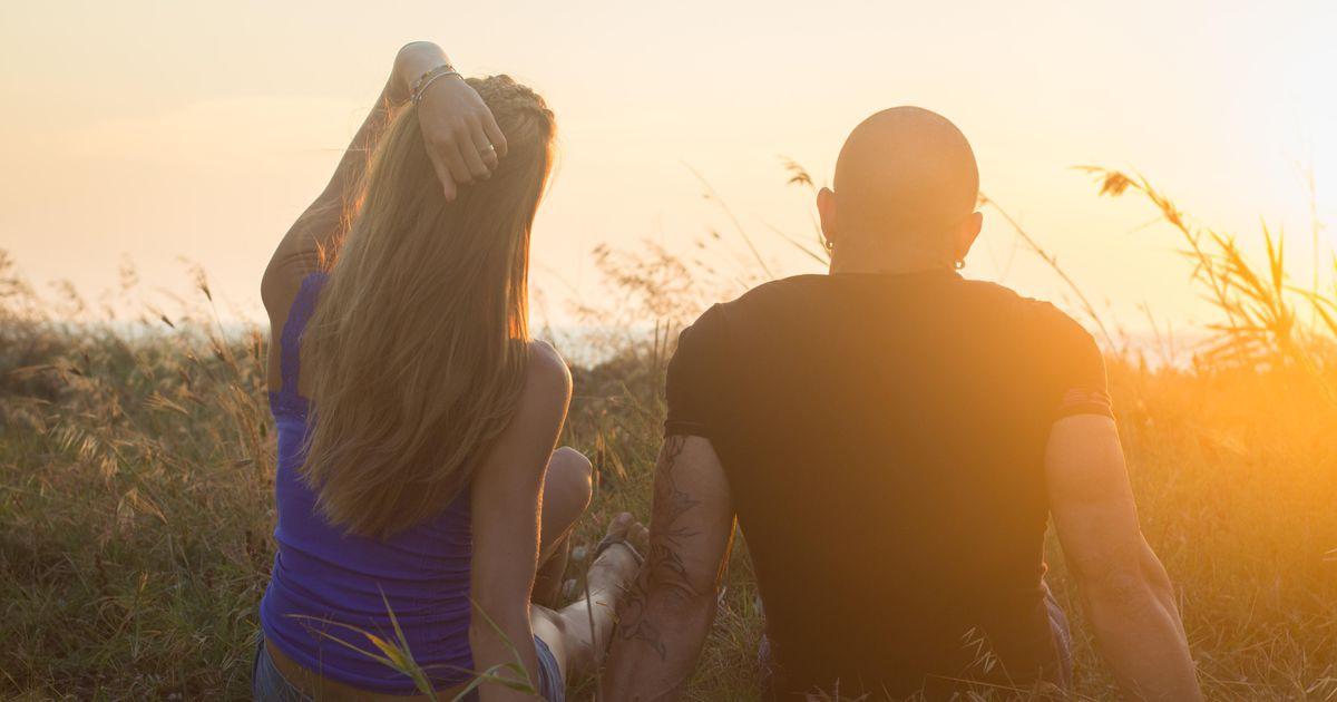 Pööripäevarituaal: tee loitsu abil lõpp üksindusele ja loo tugevaid suhteid