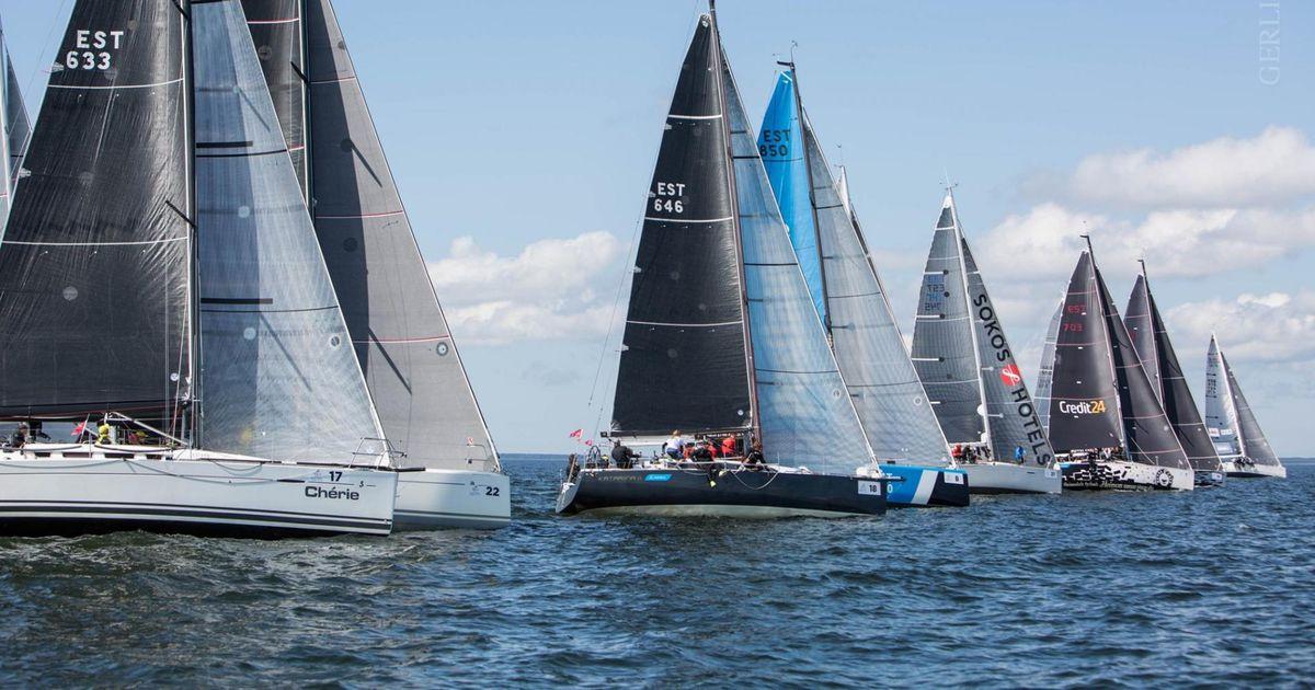 Muhu väina laevastik seilas Pärnu lahel priskes läänetuules