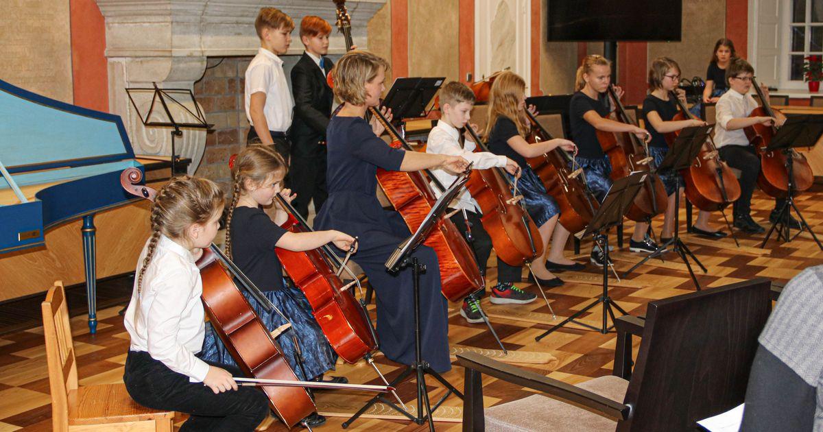 Cello Kids täitis Raekoja muusikaga