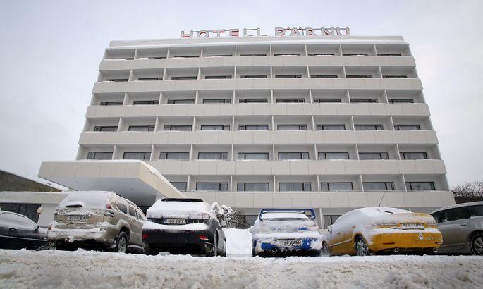 3277025b469 Pärnu hotelli rõdult kukkus mees alla - Uudised - Pärnu Postimees