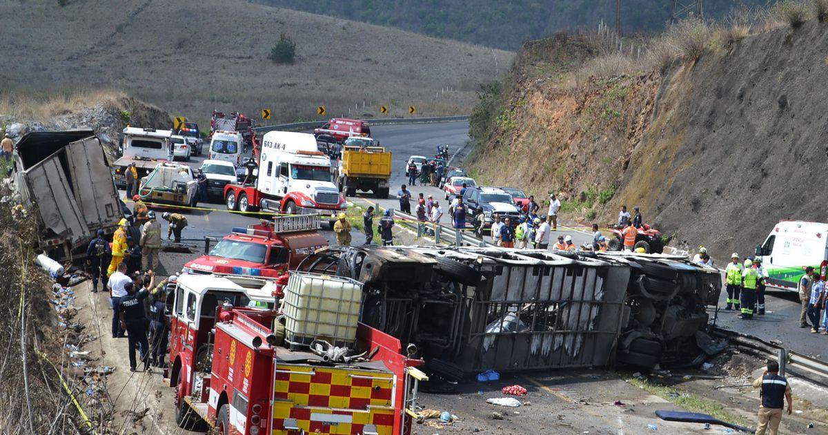 Mehhiko idaosas sai liiklusõnnetuses surma 21 inimest