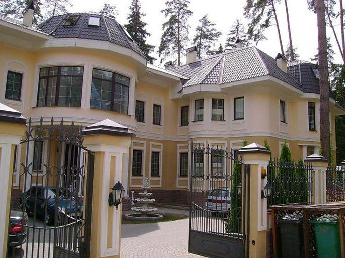 Недвижимость никиты михалкова за рубежом откроют ли границы в октябре