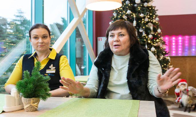 9b5ff08f61b Peterburi ettevõtja Alevtina Galaktionova (paremal) tervitab uut aastat  Toilas ja seda juba 15. aastat järjest. Toila spaahotelli Vene turu  müügijuht ...