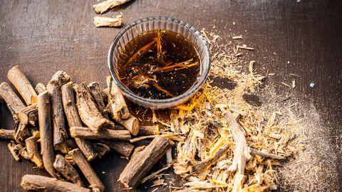 Lagritsajuurest valmistatakse komme ja kasutatakse mitmetes teistes toitudes.