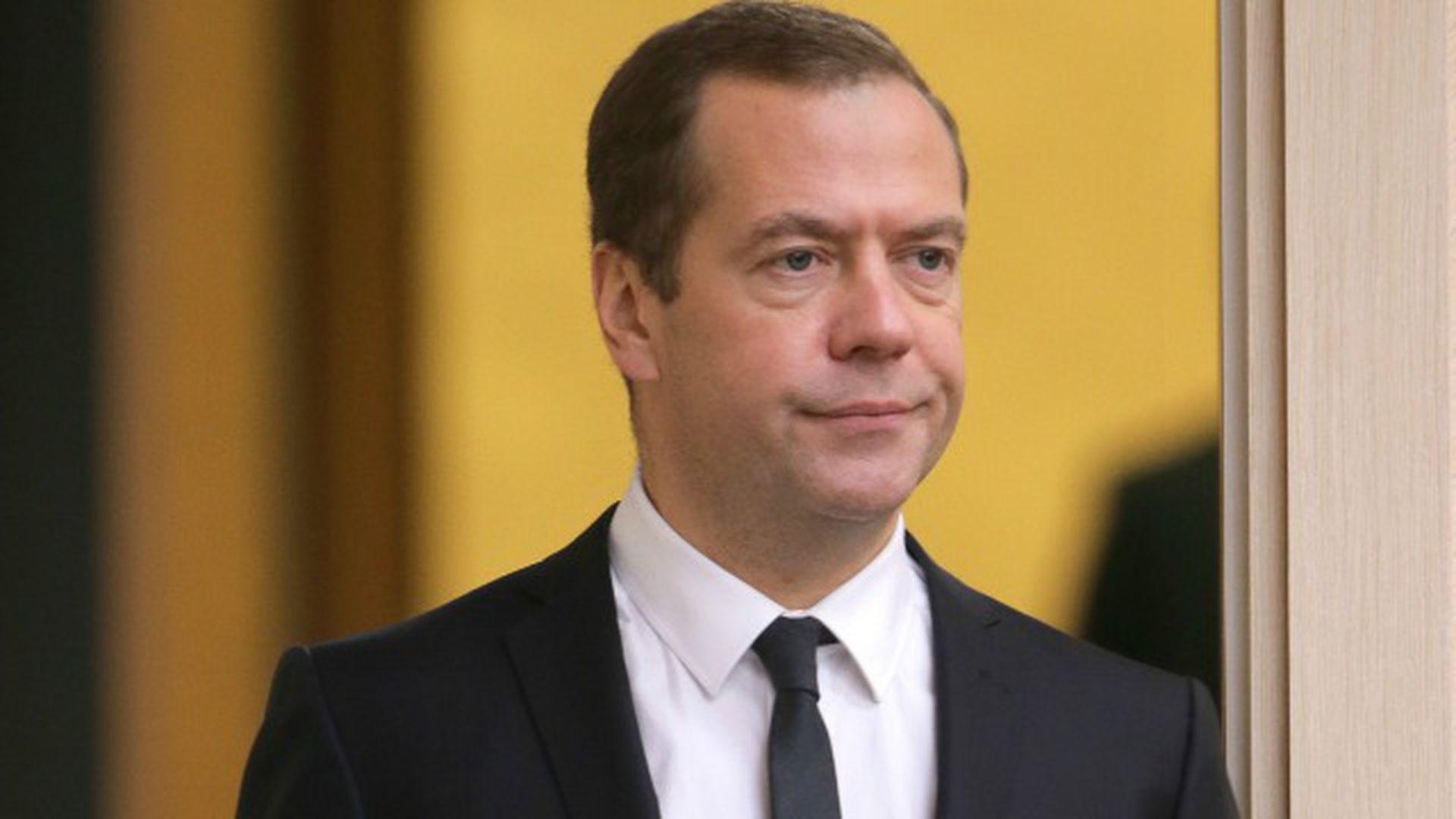 642562126d29 Дмитрий Медведев откровенно рассказал об отношениях с сыном - RUS ...