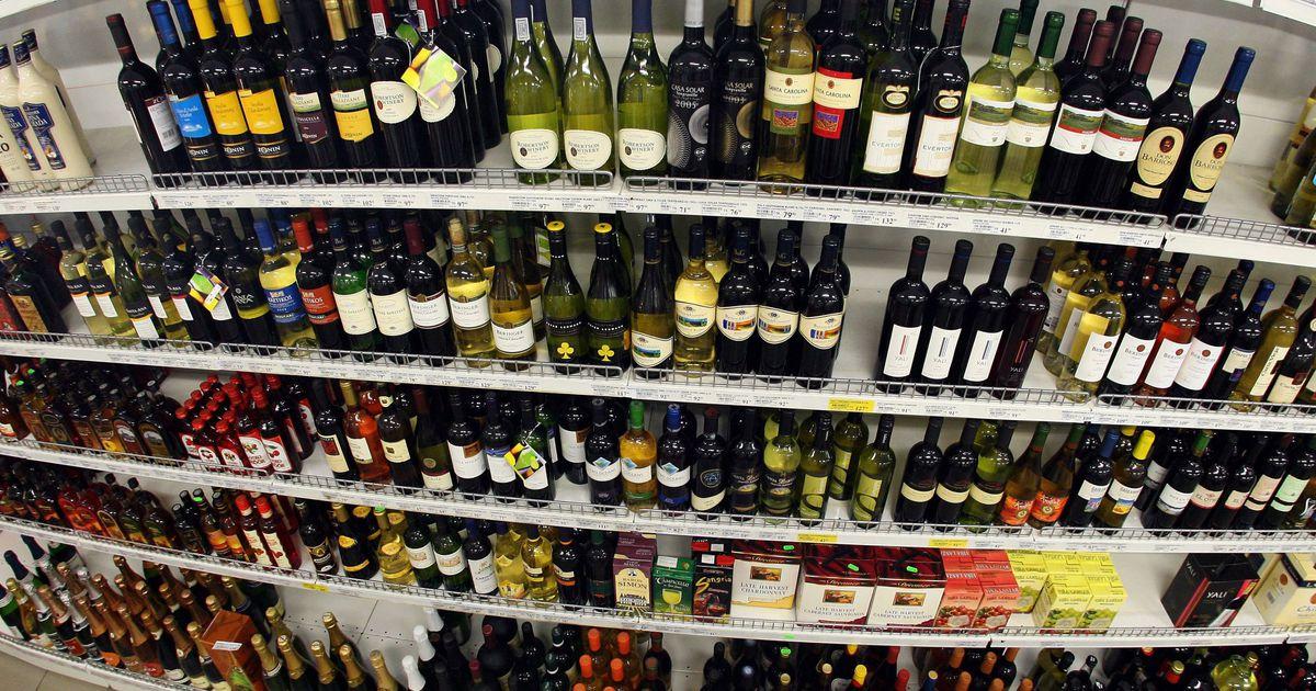 ЕС хочет разрешить проносить алкоголь на борт самолета - За ...