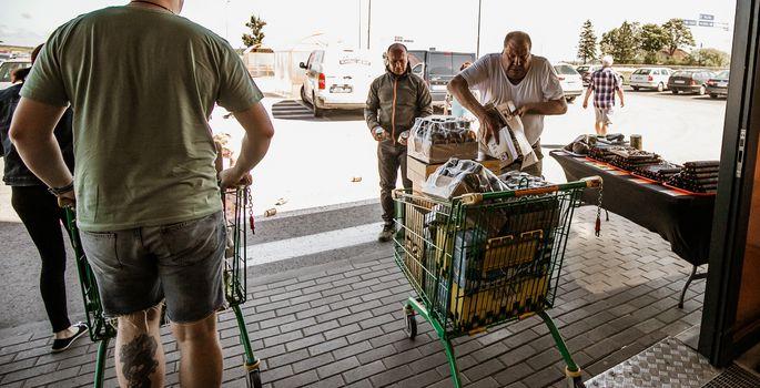 3931679553f Läti piirilt Eestisse toodavad alkolaadungid sundisid salaalkoholi müüjaid  hindu muutma. | FOTO: Mailiis Ollino /Pärnu Postimees