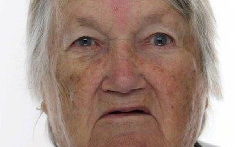 Ушла из дома в одной ночнушке: полиция разыскивает 85-летнюю женщину