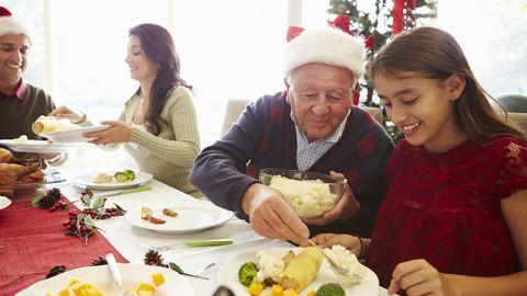 Pühade ajal olgu esmatähtis, et pere veedab koos mõnusalt aega, suured toiduportsjonid peaksid olema teisejärgulised.