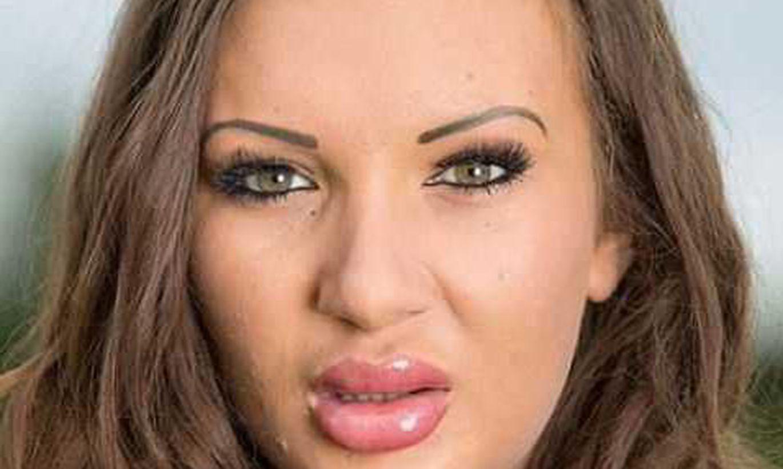 Смотреть фото самых больших губ, Фотографии Девушки с большими размерами половых 15 фотография