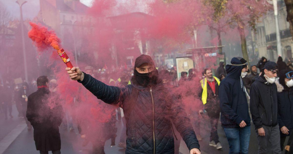 Galerii: Prantsuse pensioniprotestid ei näita vaibumise märke