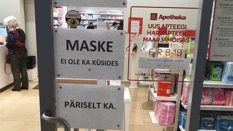 Apteek annab klientidele märku, et maske veel ei ole.