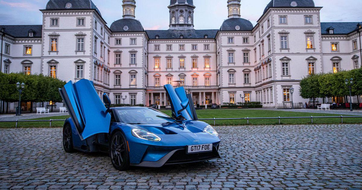 Uus superauto näitab sportautodele koha kätte
