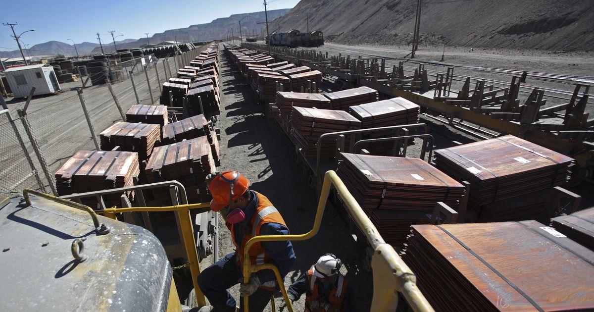 Tšiilis alustavad tööseisakut tuhanded kaevurid