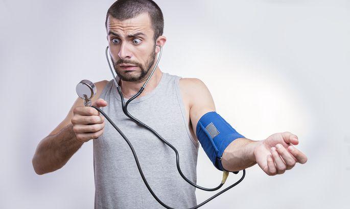 e3daebf4810 Krooniline stress ja pidev muretsemine võivad vererõhku tõsta, eriti kui  stressisituatsioonidega haaratakse rämpstoidu, alkoholi või sigareti järele.